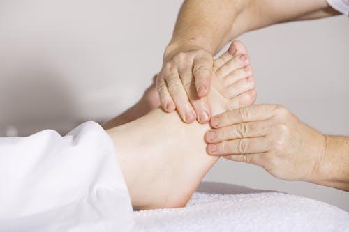 foto voetmassage Patio - Stichting Optimale Ondersteuning bij Kanker